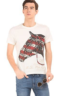 72e6011c Buy Men Graphic Print Muscle Fit T-Shirt online at NNNOW.com
