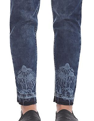 Flying Machine Women Skinny Fit  Whiskered Jeans