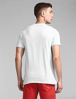 GAP Men Blue Logo Pocket T-Shirt