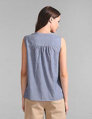 GAP Women Blue Sleeveless Popover Shirt in Chambray